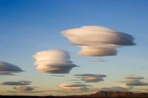чечевицеобразные_облака