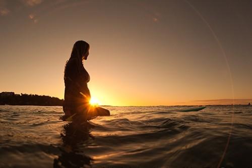 pregnant_surf