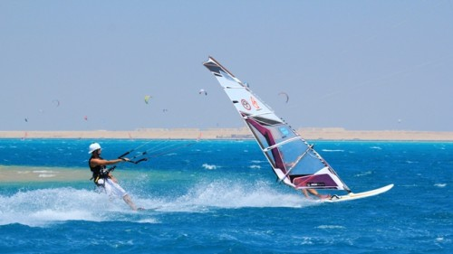 windsurfing-and-kitesurfing