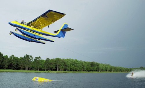 airplanewaterskiing (1)