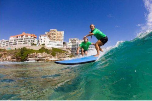 Серфинг в Австралии, волна. доска, серфер