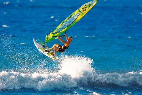 Виндсерфинг в Италии, доска. волна. ветер, экстрим, спорт