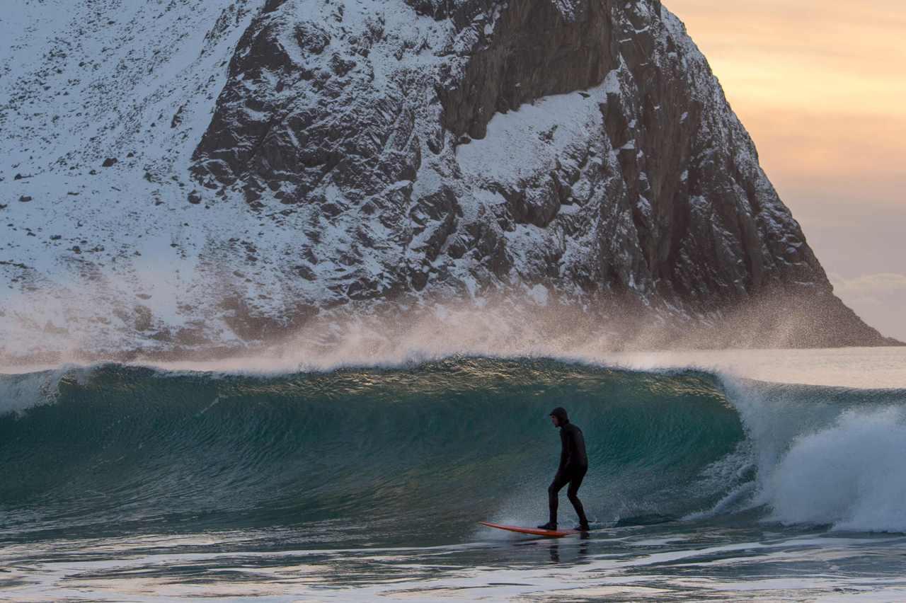 серфинг, норвегия. доска. волна, ветер