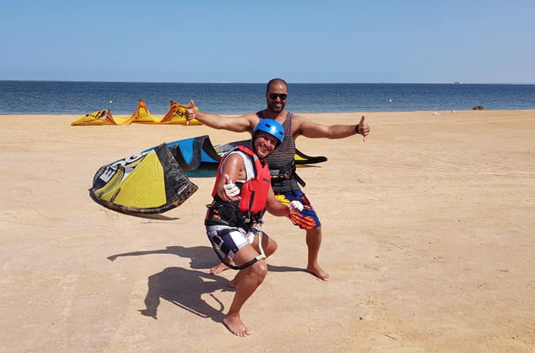 кайтсерфинг, тунис, школа кайтсерфинга, ветер, кайт, доска, волна